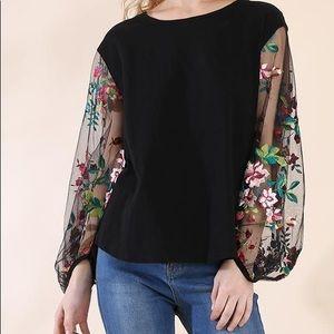NWT Umgee blouse